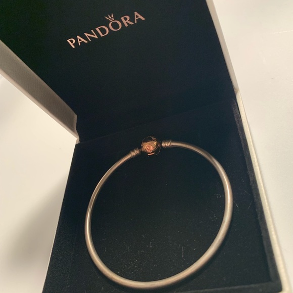 pandora silver bangle rose gold clasp